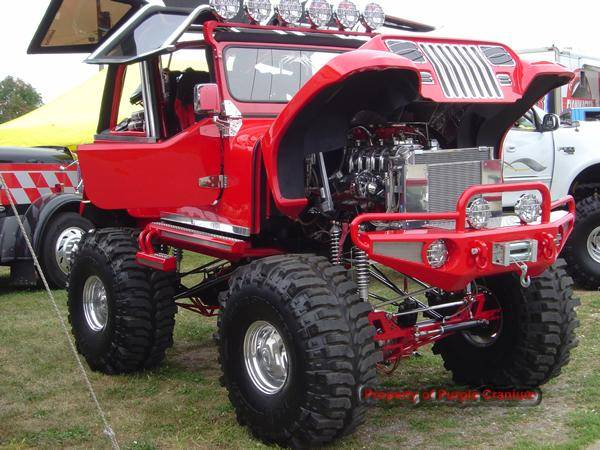 red_jeep_001